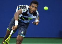 Flawless Auger-Aliassime knocks out Murray in straight sets