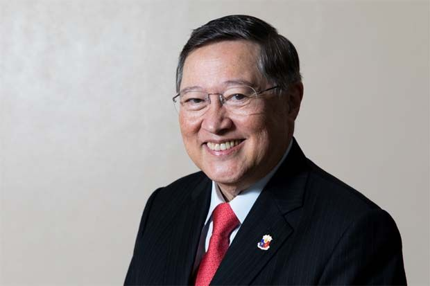 Philippines Finance Secretary Carlos Dominquez