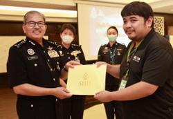 Media play an integral role in combating crime, says KL CPO