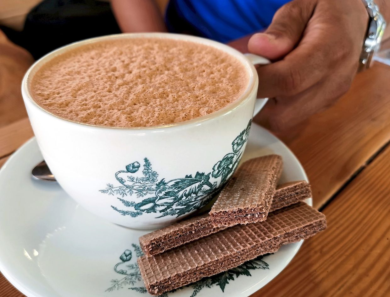 Teh Tarik Heritage is available for those in search of a familiar taste.