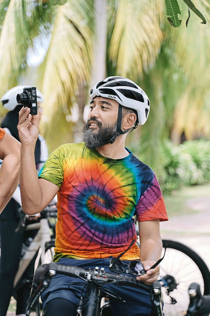 Riad Asmat enjoys cycling tours around Selangor. Photo: @pixnvape