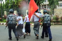 Myanmar police detain student protesters in Rakhine state