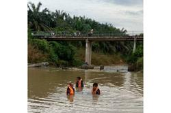 Outing for five teens turns into tragic when two of them drown in Segamat