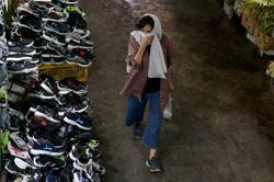Iran's confirmed coronavirus cases exceed 400,000 - health ministry