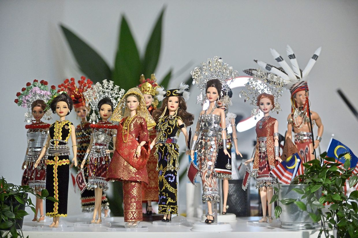 Wesley is the first Malaysian to promote Barbie dolls in traditional Sarawakian costumes on social media.