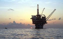 Refiners, offshore producers shut ahead of Hurricane Sally landfall