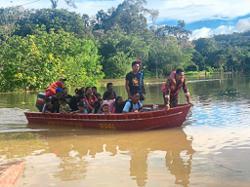 Flood victims being evacuated in Miri