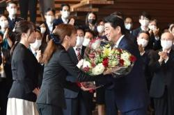 Japan's PM Shinzo Abe resigns, clearing way for successor