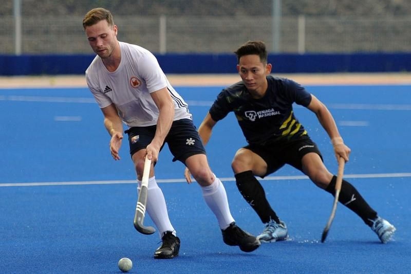 Dutch international Roel Bovendeert, who will play for Universiti Kuala Lumpur (UniKL)in the Malaysia Hockey League (MHL) managed to get the ball from Tenaga Nasional's Shello Silverius in a friendly match on Jan 9, 2020.