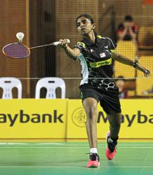 Pearly-Thinaah clinch winning point for Team A