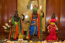 UK hands over to India statues stolen from Hindu temple in 1978