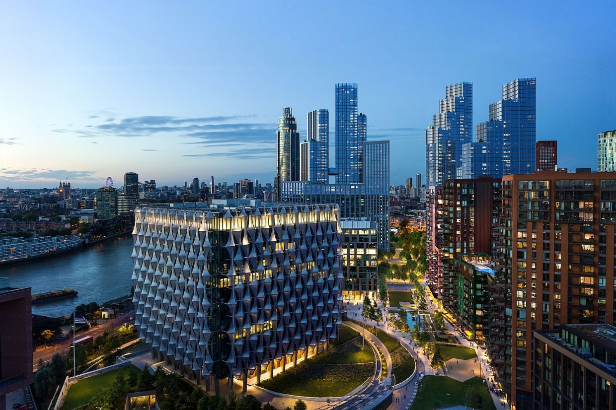 A riverfront development by EcoWorld Ballymore, Embassy Gardens offers its residents and guests a complete London experience right in the city centre.