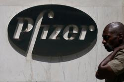 Pfizer vaccine trial bets on early win against coronavirus, documents show