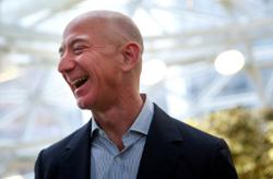 Bezos, other billionaires urged to step up to help world's starving