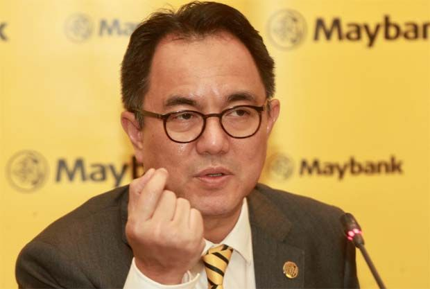 Registered SME businesses with turnover below RM25mil, including non-Maybank customers are eligible to apply for financing via the SME Digital Financing, Maybank's Group president and chief executive officer Datuk Abdul Farid Alias said.(pic)