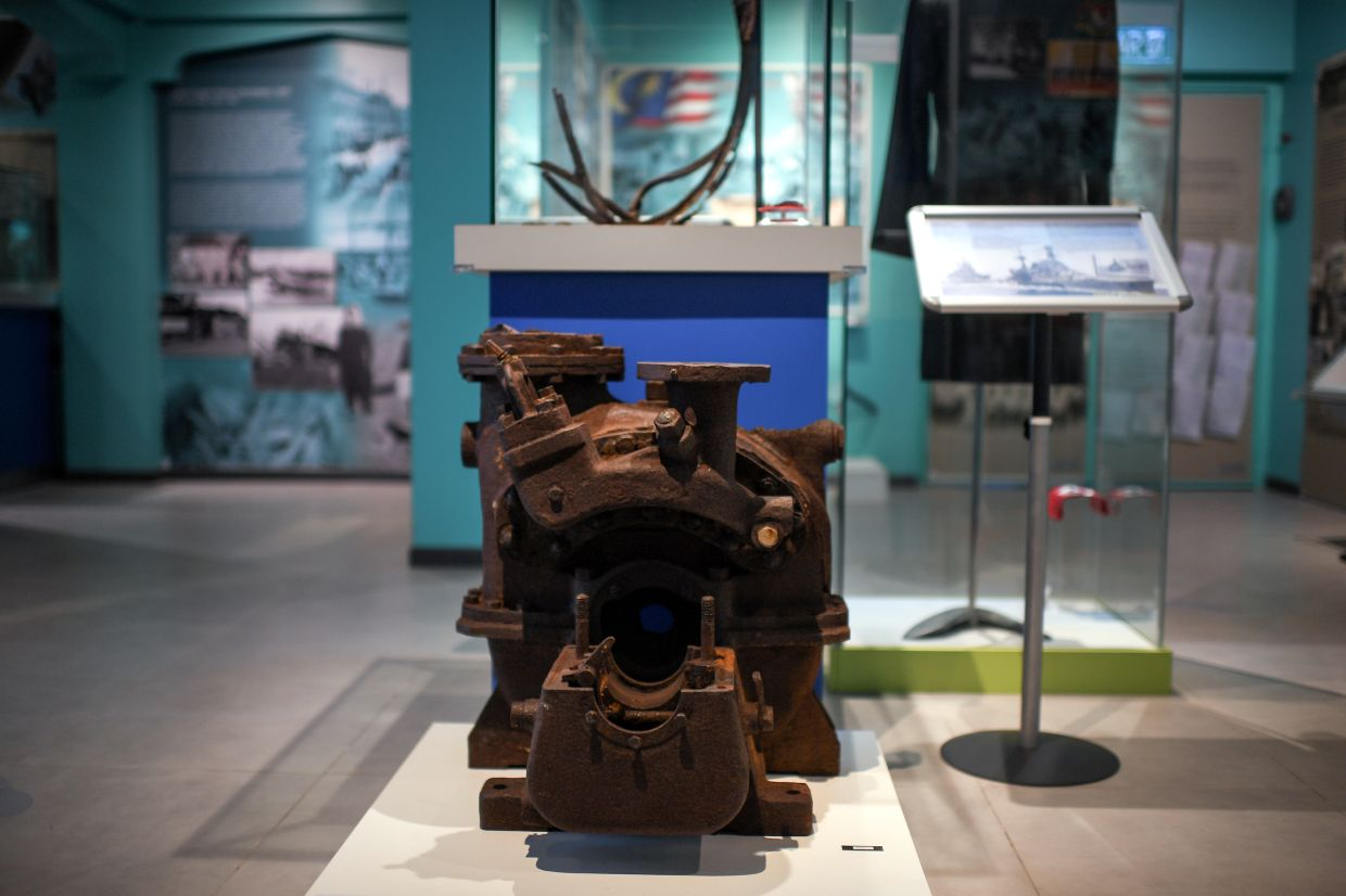 A ship wreckage salvaged from the ill-fated HMS Repulse (sunk during WWII) is on display at Muzium Universiti Utara Malaysia.