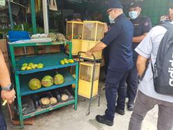 Four foreigner-run shops shut down in Shah Alam
