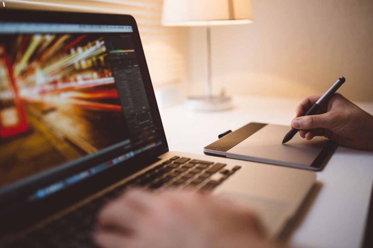 A device with a long battery life and flexible form factor that lets them work comfortably anywhere – curled up on a couch when taking a video call or jotting an idea using a stylus while at the desk – is also at the top of the list for most people. — Pixabay