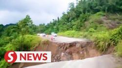 Road collapse cuts off 10,000 villagers in Baram