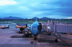 Vietnam: No new Covid-19 cases, critically ill patient recovers as international flights are on again