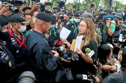 Protesters hand over letter to Privy Council