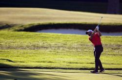 Wolff maintains U.S. Open lead with par to start final round