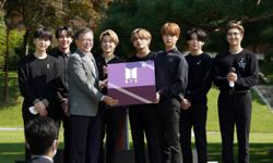 South Korean president Moon Jae-in is a big BTS fan