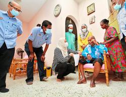 Ailing senior citizen gets pension and wheelchair from Socso