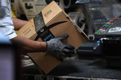US lawmakers call Amazon warehouse unsafe after surprise visit