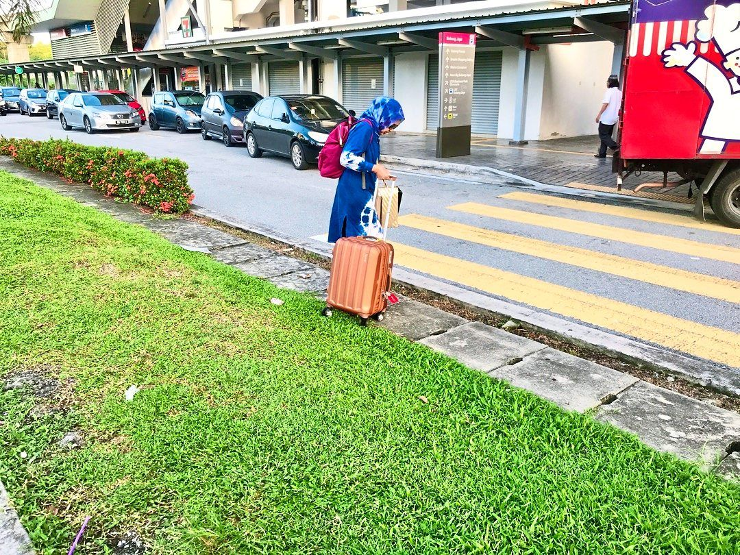 Road kerbs and pedestrian crossings are among things to consider in enabling senior citizens to commute safely. — Filepic