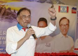 Sources say Anwar to make important announcement at noon, may be linked to majority in Parliament