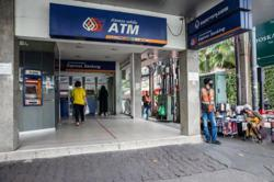 Thai central bank studies option of virtual banking licences