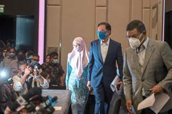 Anwar claims strong majority