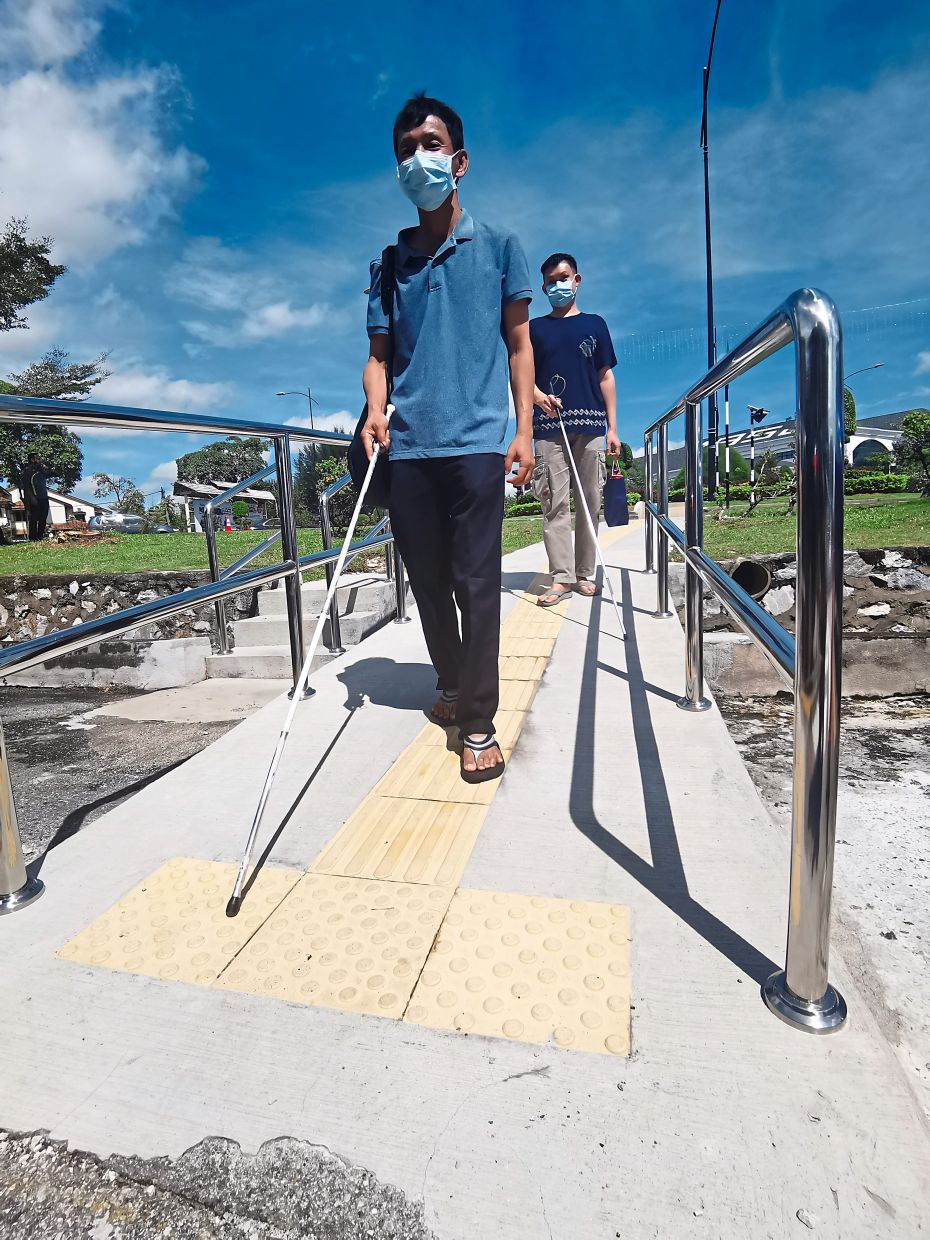 SIx ramps were constructed in Taipan USJ following  the MS 1184:2014 Malaysian standard for the benefit of disabled pedestrians  in the area.
