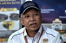 Covid-19: Annuar Musa to undergo home quarantine in KK
