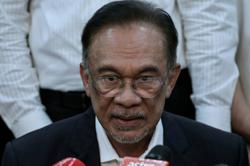 Mere 'sandiwara' or is Anwar really on the comeback?