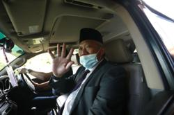 Bung and Hajiji headed for Istana Negeri