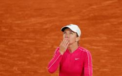 No champagne to celebrate but Halep pleased with birthday present