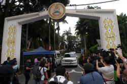 Protestors want quick decision from Sabah Governor on who will be chief minister