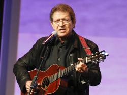 Country star and Elvis songwriter Mac Davis dead at 78