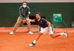 Wawrinka says ready to challenge for title at Roland Garros