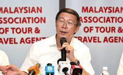 'Defer Sabah holiday plans'