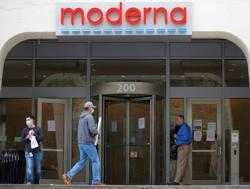 Moderna says seeking approval for COVID-19 vaccine not possible before U.S. elections - FT