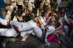 Emergency law imposed in India gang-rape victim's village