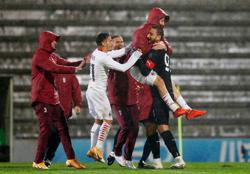 Milan win 24-penalty shootout to reach Europa League group stage