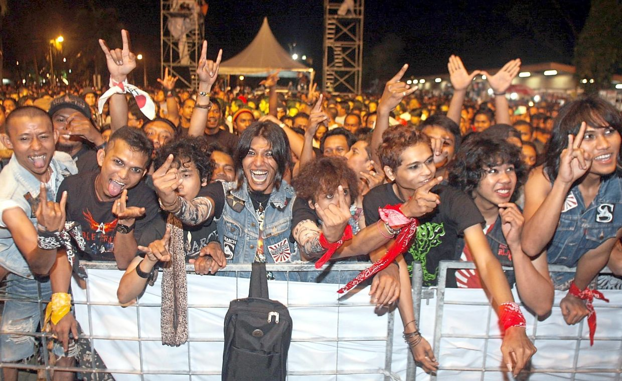 Flashback: The rock kapak audience seen at the Konsert Gemuruh Double Trouble, featuring Search and Wings, in Seberang Jaya, Penang in 2010. Photo: Filepic