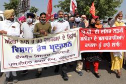 Five police suspended over India gang-rape