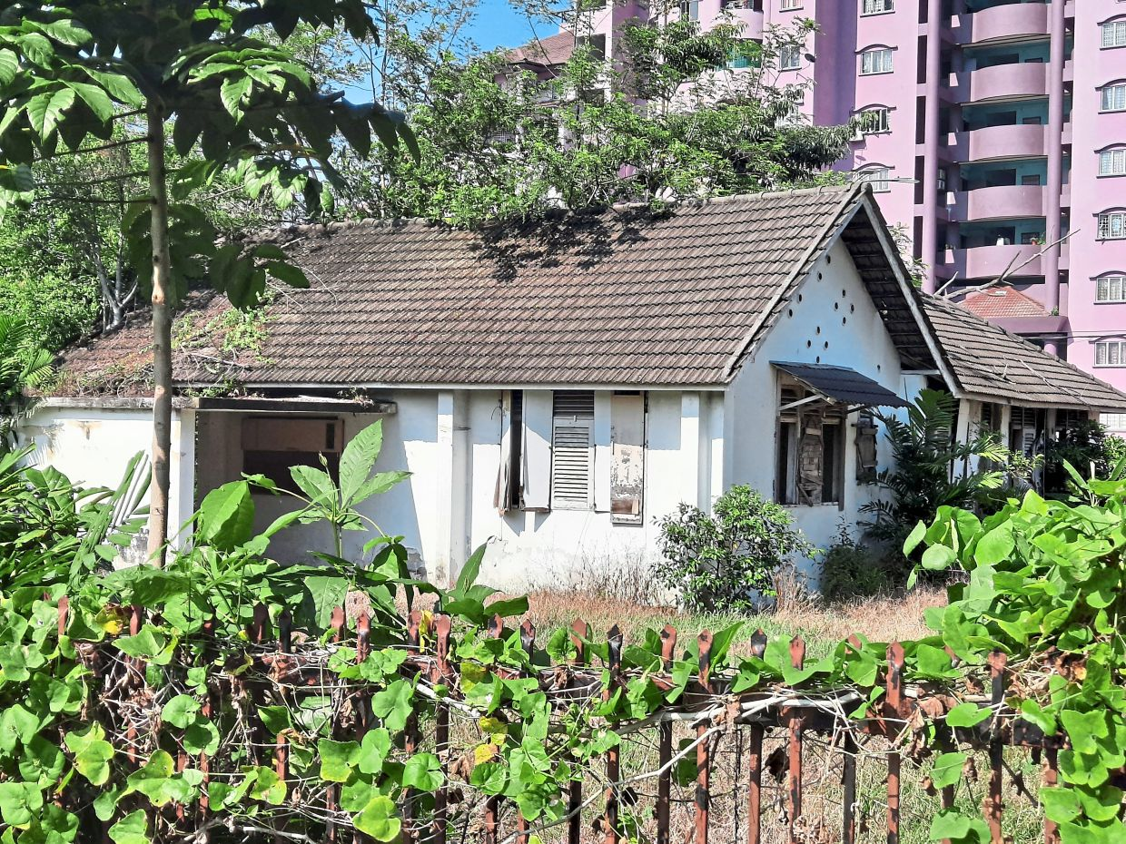 The undergrowth and rubbish at this dilapidated house along Jalan 1A/73 have turned what was once a beautiful bungalow into an eyesore.