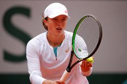 Swiatek powers past Podoroska to reach maiden Grand Slam final
