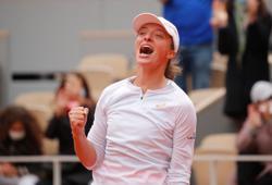 Factbox: French Open champion Iga Swiatek